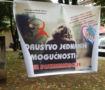 """FOTO: Izložba """"Društvo jednakih mogućnosti bez diskriminacije"""" održana u Prozoru"""