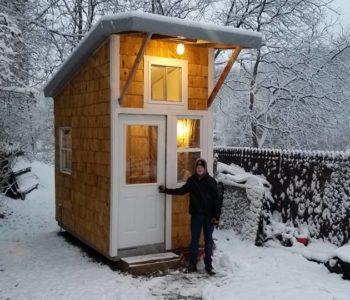 Dječak (13) izgradio kućicu za samo 10.000 kn, u njoj ima sve