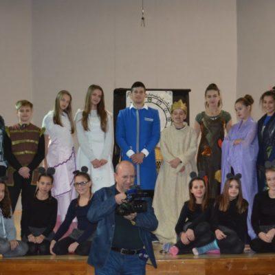 Mladi članovi dramskog ansambla KSC-a