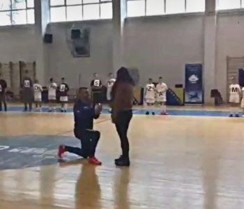 Na početku turnira  zaprosio djevojku