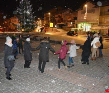 Koncertom PAB benda završen 2. božićni sajam
