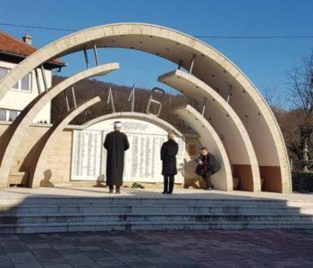 Predsjednica Republike Hrvatske  posjetila Križančevo Selo i Ahmiće