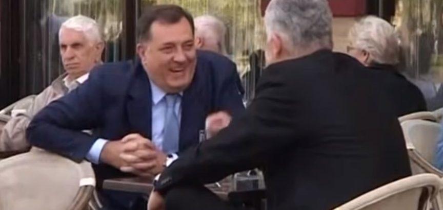 """Dodik tvrdi kako je genocid u Srebrenici """"mit i konstrukcija"""" Bošnjaka i međunarodne zajednice"""