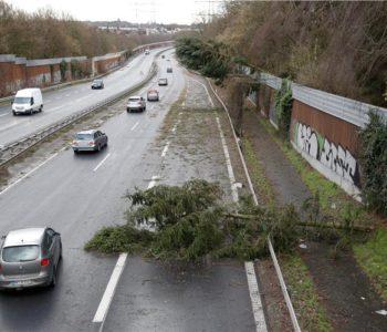 Osmero mrtvih u oluji na sjeveru Europe, kaos u prometu