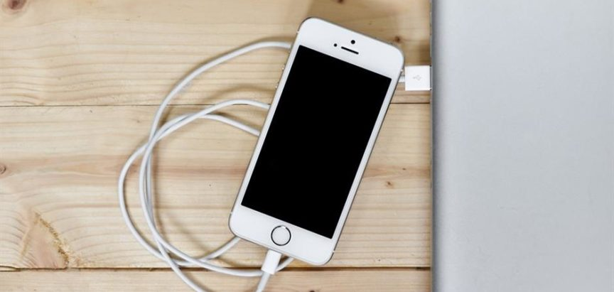 Znate li kako ispravno puniti bateriju na svom pametnom telefonu?