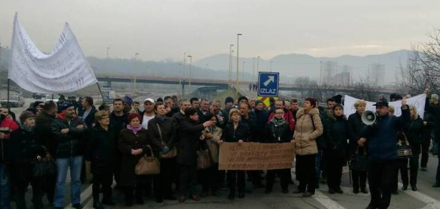 Radnici željezare Zenica u štrajku, blokirali promet na magistralnoj cesti