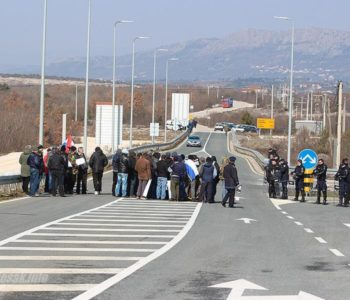 Bijača: Došlo do sukoba branitelja s vozačem, na petlji Šićki Brod pokušaj samozapaljenja