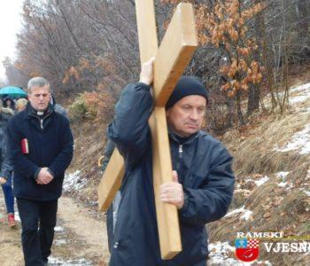 Foto: Put križa na brdo Gradac