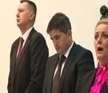 Narode, poslušajte kako je predsjedateljica sarajevske Skupštine 'odaakala' himnu BiH! Zar nije imozantna?