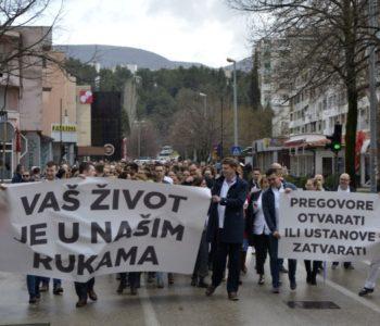 Prosvjedna šetnja doktora medicine i stomatologije HNŽ-a