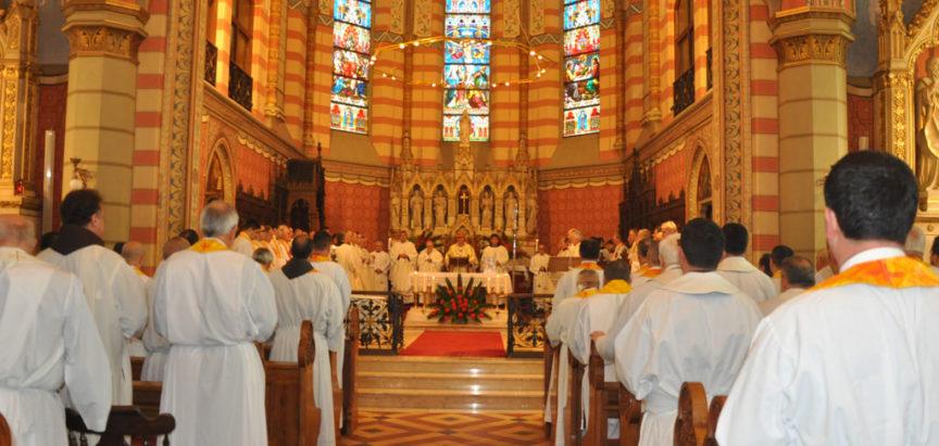 Misa posvete ulja u sarajevskoj katedrali