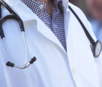 'Bedževe na mantile i slušalice u ladice' – Liječnici HNŽ od srijede u štrajku