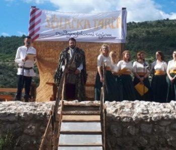 VITEZOVI ZAUZELI STOLAC Počeo četvrti srednjovjekovni sajam