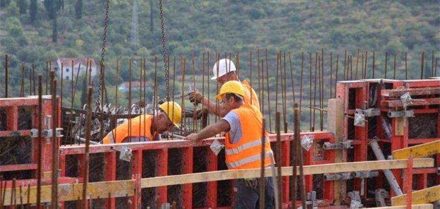 Prosječne plaće za 419.370 radnika debelo ispod 700 maraka!