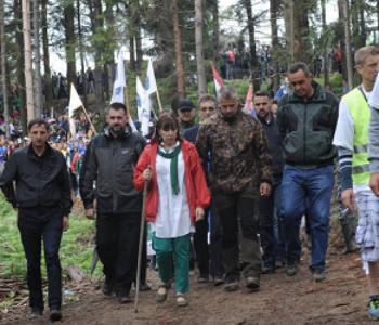 Marš mira u spomena na stradanja Bošnjaka, Orić predvodi marš…zanimljivo…