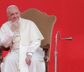 Crkva se ponaša kao neovisna institucija u okviru druge države