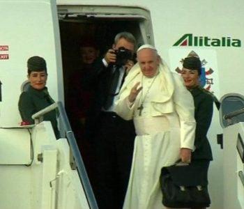 Papa je moćan samo na riječima, ali i to je puno