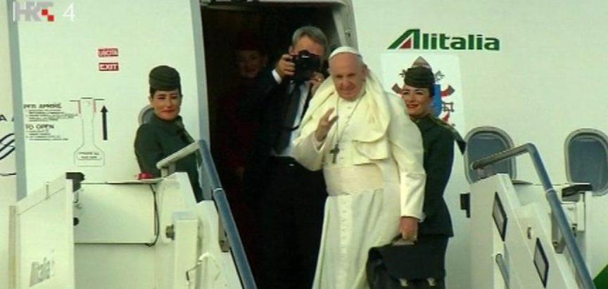 Papa u Irskoj ukazao na propust Crkve glede pedofilije