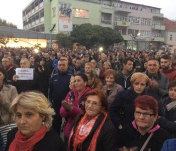 Prosvjed žitelja Bihaća: Tisuće migranata na ulicama, ugrožena nam je sigurnost