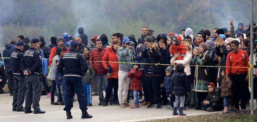 KAOS MIGRANTSKE KRIZE U BIHAĆU I V.KLADUŠI: Životi su nam ugroženi – šalju nam migrante, a nas 'ko …. –