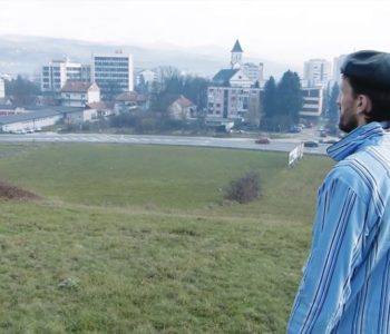 """Performans """"Pozdrav iz Bugojna"""" – Grad gdje sve staje, ulazimo u crnilo i vječnu tamu"""