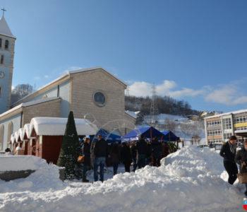 Foto: Otvoren Božićni sajam u Prozoru 2018.