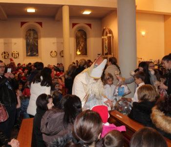 Foto: Sveti Nikola posjetio djecu u župi Prozor