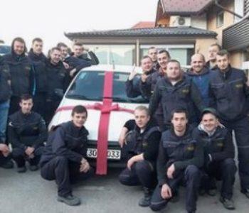 Radnici u Bihaću svom kolegi za Novu godinu kupili automobil