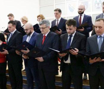 TUŽNA MULTIETNIČKA SLIKA ŽUPANIJSKE VLADE: Bošnjaka u Sarajevu ima više od 80 posto, nisu obvezni birati Hrvate i Srbe u vlast?