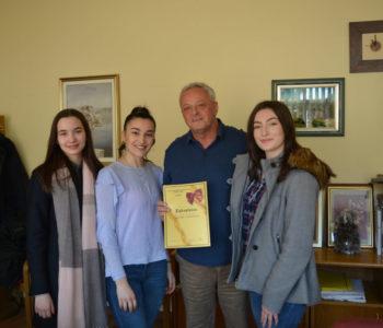 Mažoretkinje kod načelnika dr. Joze Ivančevića