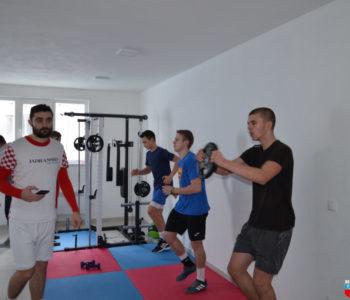 """Foto/video: Fizičke pripreme nogometaša HNK """"Rama"""" u vlastitoj teretani"""