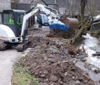 Foto/video: U naselju Lovnica u MZ Gračac izvršena sanacija nakon poplave