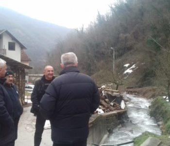 Načelnik općine dr. Jozo Ivančević obišao naselja na Gračacu pogođena poplavom