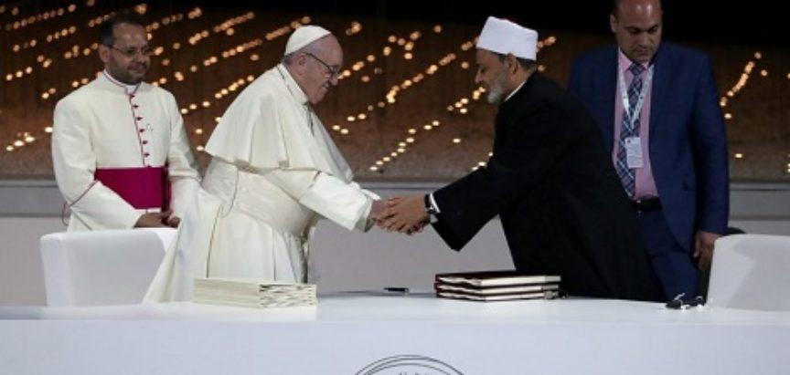 Papa Franjo i imam Ahmed al -Tayyeb pozvali na prestanak ratova u svijetu