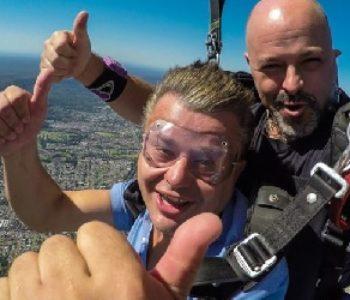 Fra Ivo Tadić, fratar iz Rame u Australiji skočio padobranom