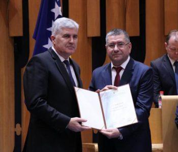 Prvi potez: Čović zatražio novac za smještaj i odvojeni život
