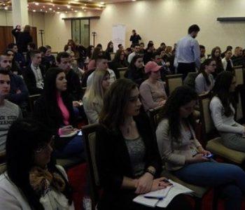 Mladi u BiH nisu površni, neodgovorni i imaju viziju