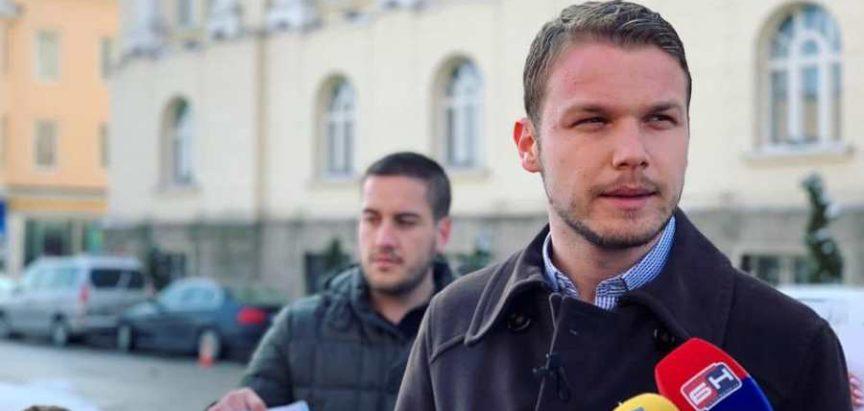 """Draško Stanivuković će  svoj poslanički paušal uputiti""""Caritasu"""", """"Merhametu"""" i Crvenom krstu."""