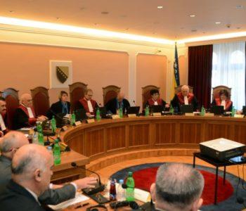 Ustavni sud BiH: Osporena odredba Zakona o Danu RS nije u skladu s Ustavom BiH