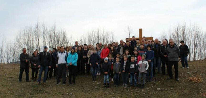 Put križa na Gradac/župa Uzdol