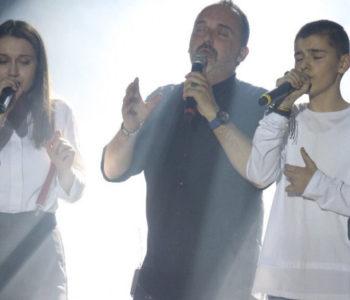 """VIDEO: """"Kao u snu"""" – Marko Bošnjak i Adna Šestić na koncertu Tonija Cetinskog"""