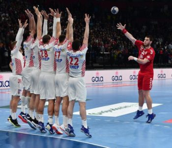 Hrvatska rukometna reprezentacija remizirala je (25-25) u utakmici europskih kvalifikacija protiv Srbije