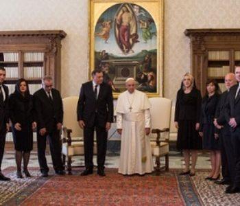 """POLITIČKI MARKETING I PRIVATNO/SLUŽBENI POSJET Dodik i Cvijanović kod pape Franje """"Vatikan prate svi, važno je poslati sliku"""""""