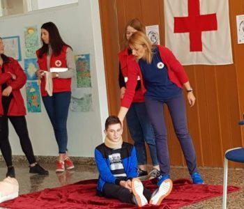 U OŠ Ivana Mažuranića Gračac održana edukacija pružanja prve pomoći