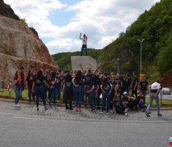 Foto: Maturanti Srednje škole Prozor obilježili kraj nastave