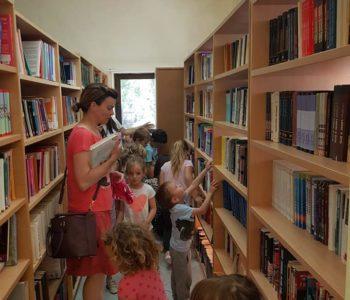 Djeca iz Dječjeg vrtića Ciciban posjetila Narodnu knjižnicu