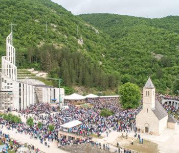 Podmilačje: Tisuće vjernika hodočastilo Svetom Ivi