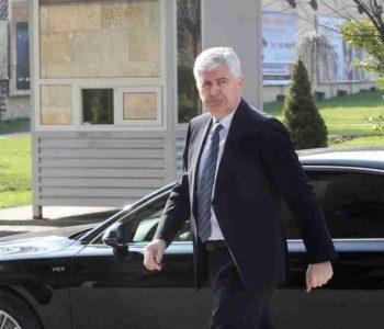 NOVA DRAMA U ALUMINIJU: Čović napustio sastanak sa UPRAVOM I SINDIKATOM, OVO SU ZAKLJUČCI NAKON NJEGOVOG ODLASKA