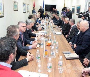 HNS ostao bez četiri stranke: Nema više smisla