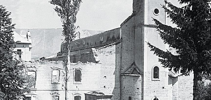 Misa u zidinama izgorjele crkve